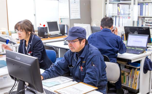 兵庫精密工業所 経営管理グループの勤務風景